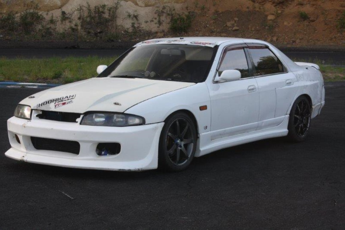nissan skyline r33 4 door impul version jap imports uk. Black Bedroom Furniture Sets. Home Design Ideas