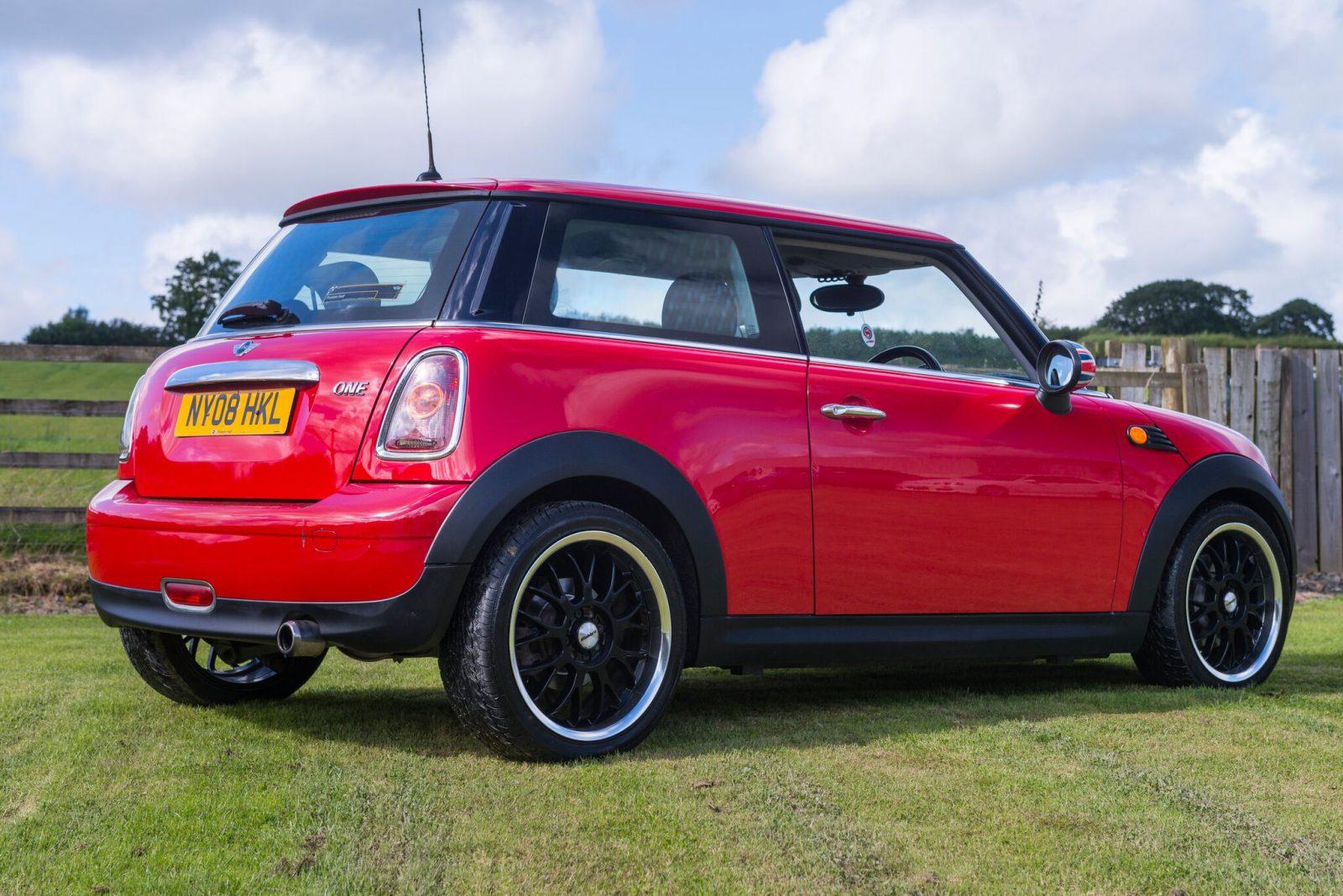 mini one 1 4l hatchback petrol jap imports uk. Black Bedroom Furniture Sets. Home Design Ideas